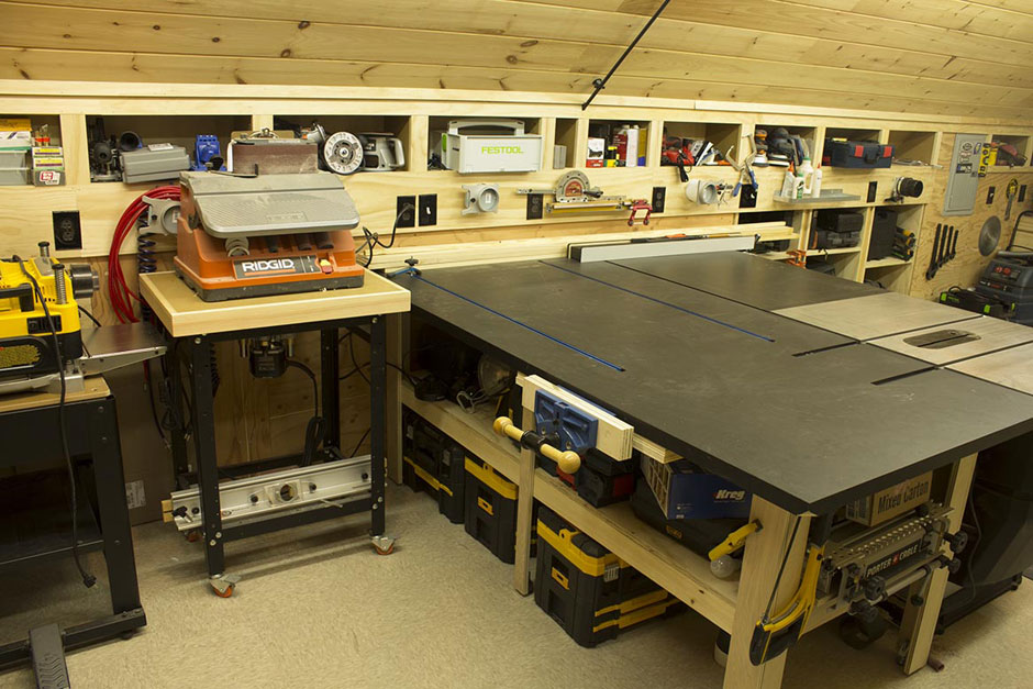 Woodshop-Router-Table-Sanding-Station-and-Outfeed-Table