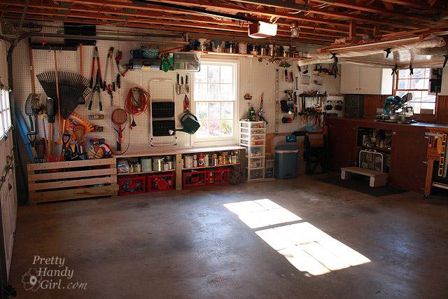 empty_garage_window_side